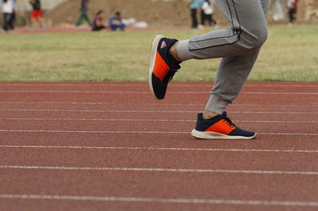 Track And Field Run Runner Running  - Endho / Pixabay